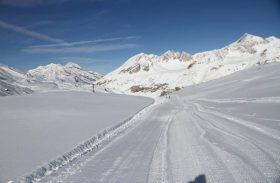 La neige joue avec nos nerfs ! Ski gratuit à Val d'Isère !