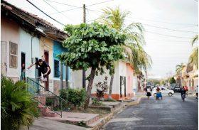 Rémy Taveira, Mike Arnold et Sylvain Tognelli skatent au Nicaragua