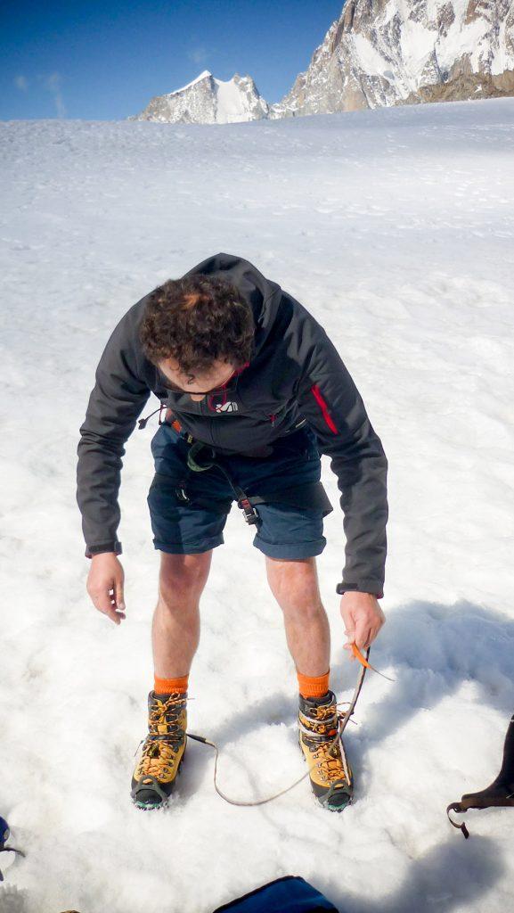 Comment mettre ses crampons d'alpinisme
