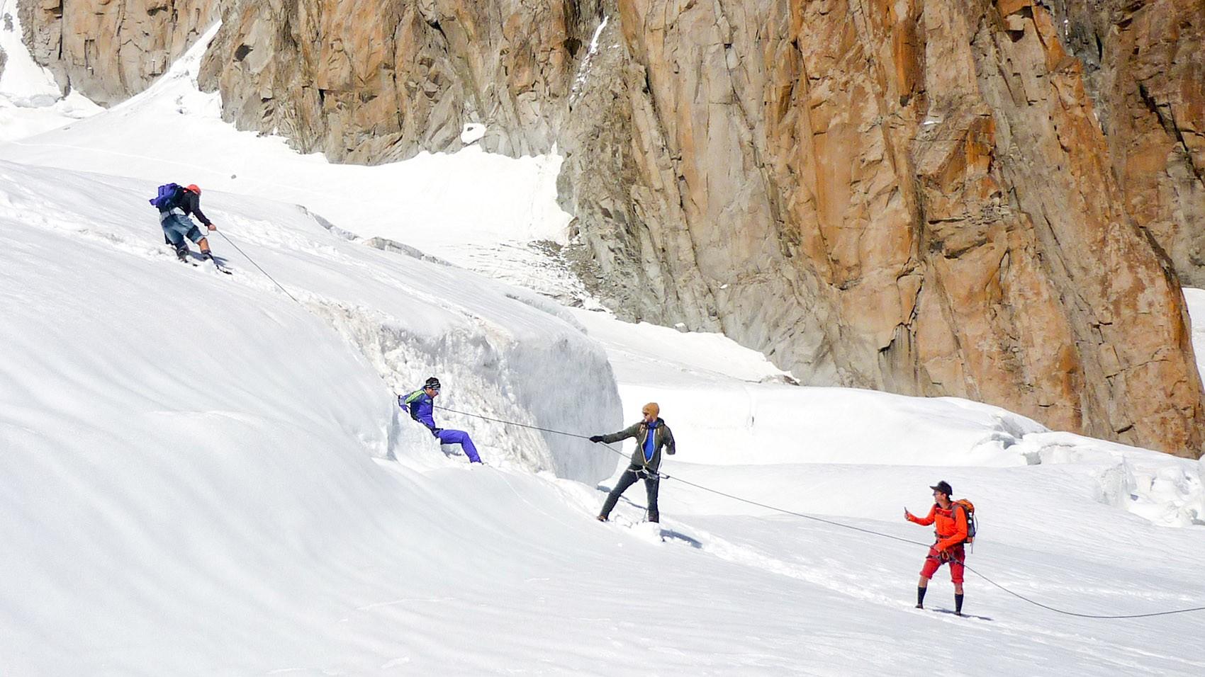 Technique franchissement crevasse Vallée Blanche