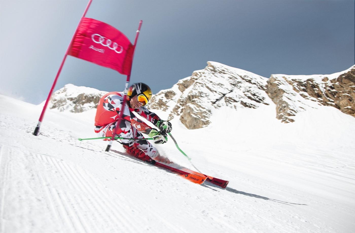 Ski Atomic Redster en action