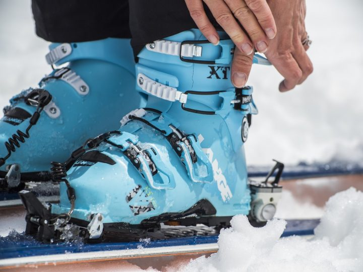 Chaussure de ski : comment éviter les douleurs tibiales ?