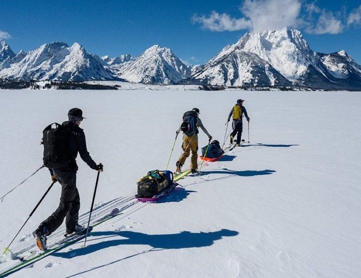 Plus haut, plus loin, plus vite avec la gamme de ski de randonnée Faction Agent